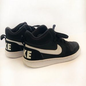 Nike Court Borough Mid Youth Black sneakers